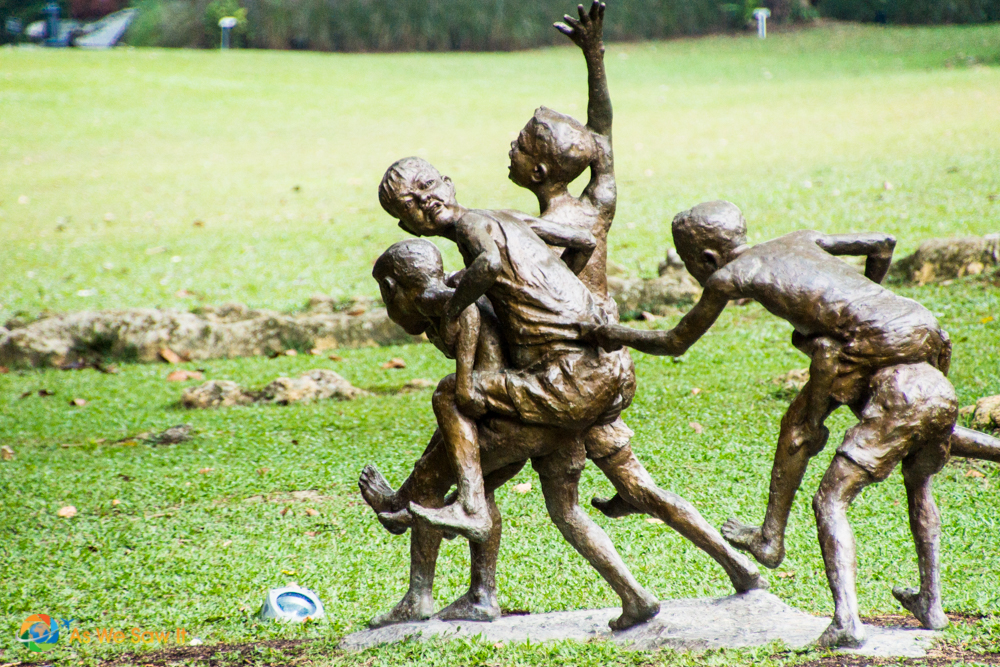 Chang Kuda sculpture of children at play in Singapore Botanic Gardens