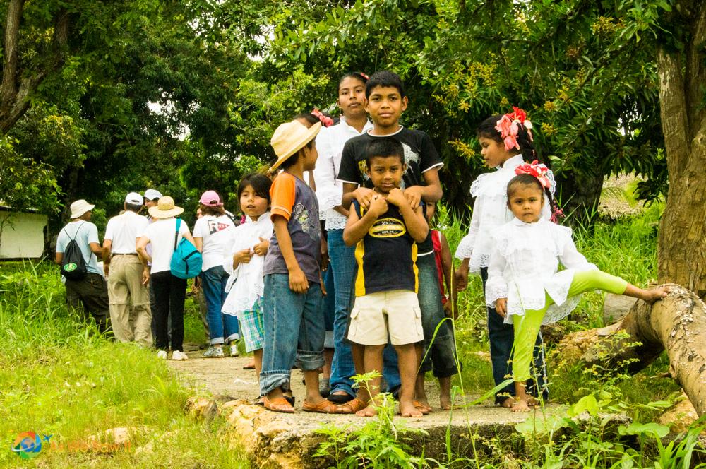 Panamanian campesino children