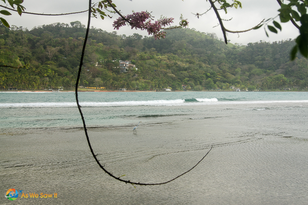 Calm beach side of the western part of Isla Grande