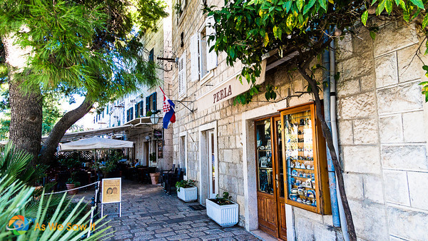 shopping area in Cavtat