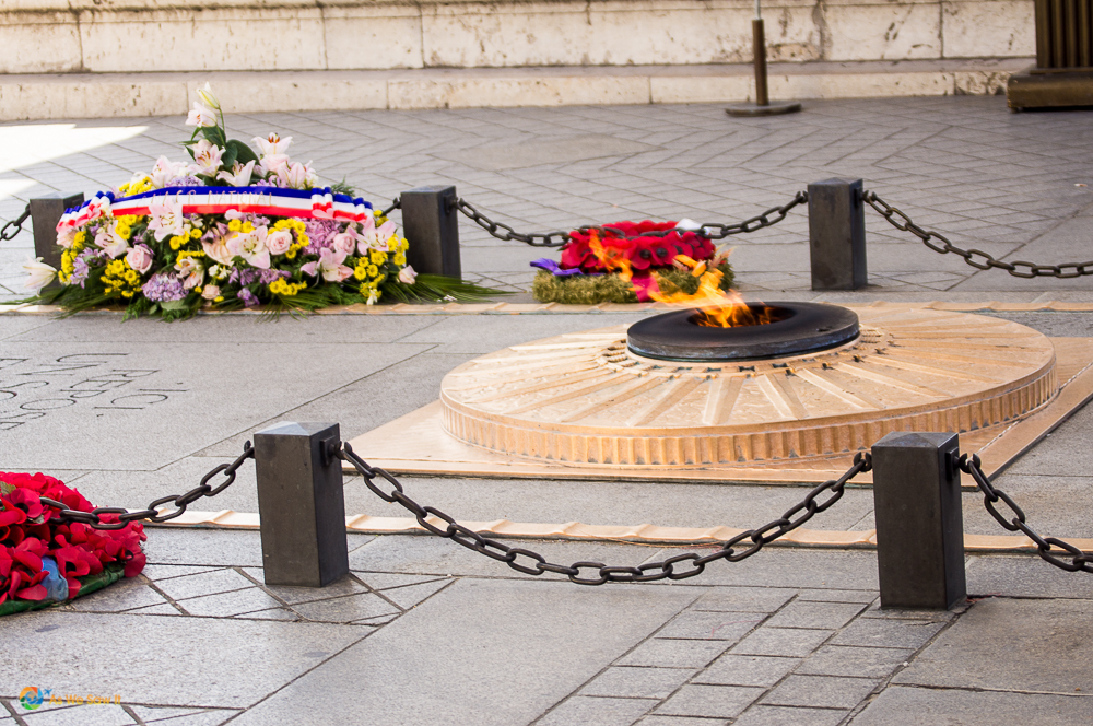 Eternal flame at Arc de Triomphe, Paris