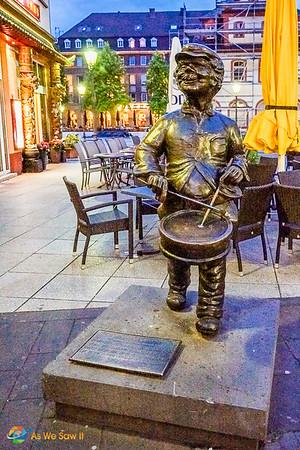 Drummer statue in Koblenz