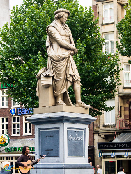 A statue of Rembrandt overlooks Amsterdam's Rembrandtplein