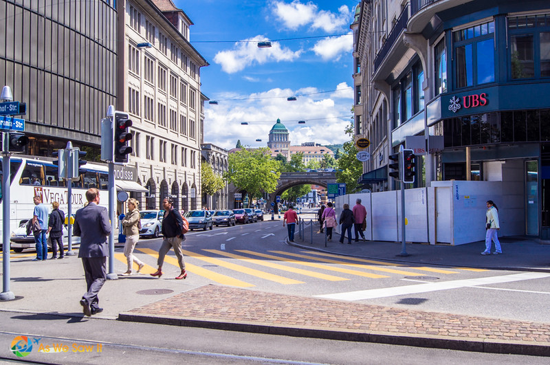 Strolling the streets of Zurich