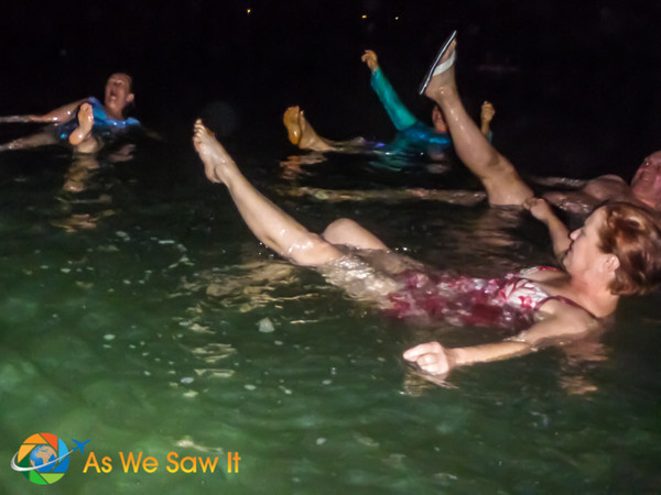 Synchronized swimming in the Dead Sea