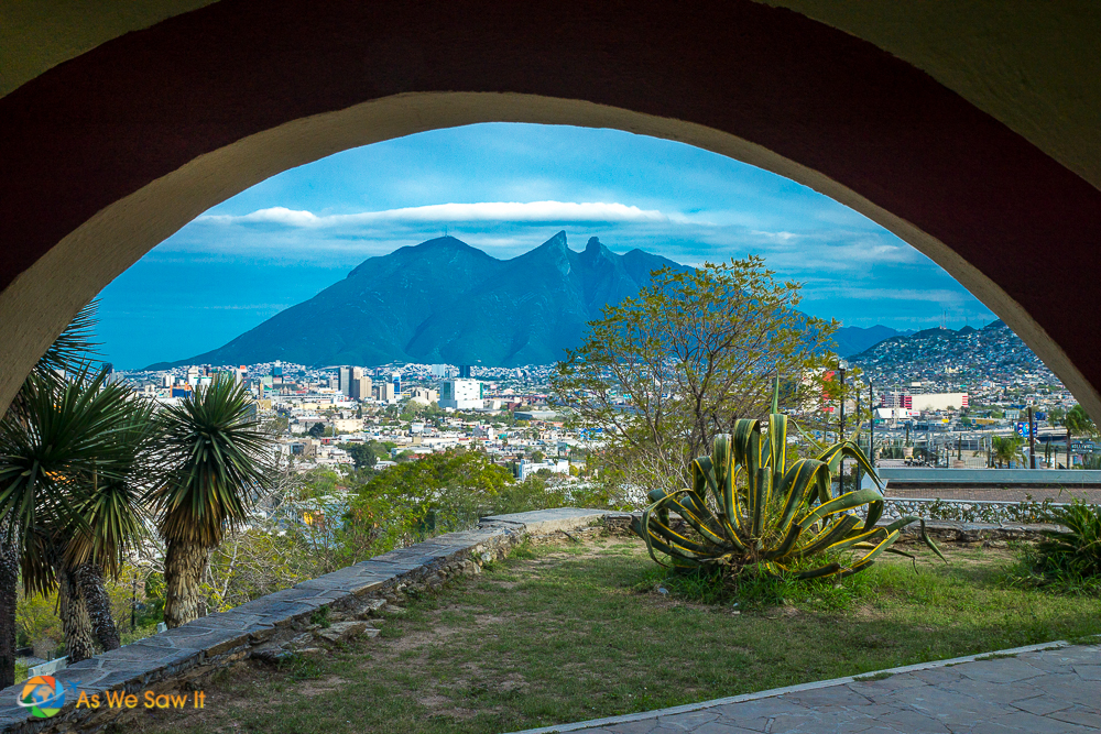 Saddleback Mountain, Monterrey, Mexico