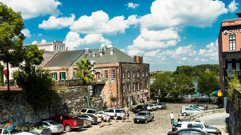 Cobbled street leading from Bay Street to Savannah River Walk