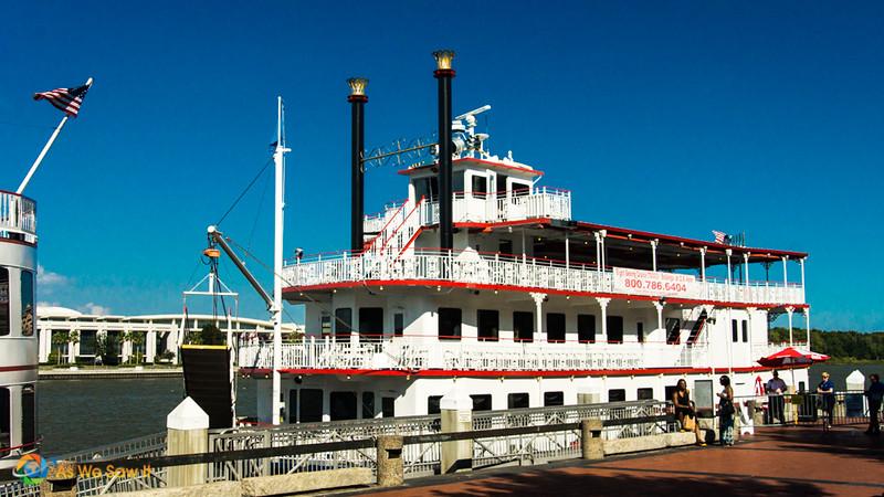 River cruise ship docked along Savannah River Street