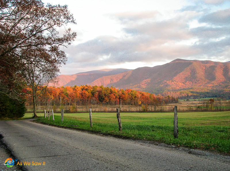 Road around the cove of Cades Cove, Tennessee